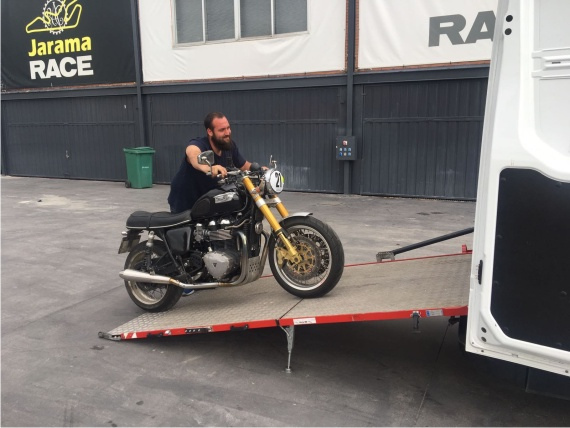 transportar motos circuito